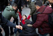 Video En Estambúl policía dispersa a mujeres que cantaban un violador en tu camino red es poder