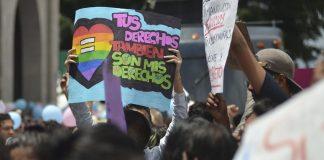 Morena propone matrimonio igualitario en todo el país