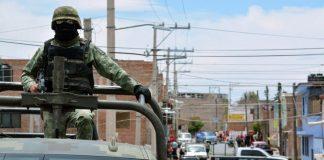 Afilando cuchillos o bayonetas: Ejército y Armada ahora serán policías red es poder