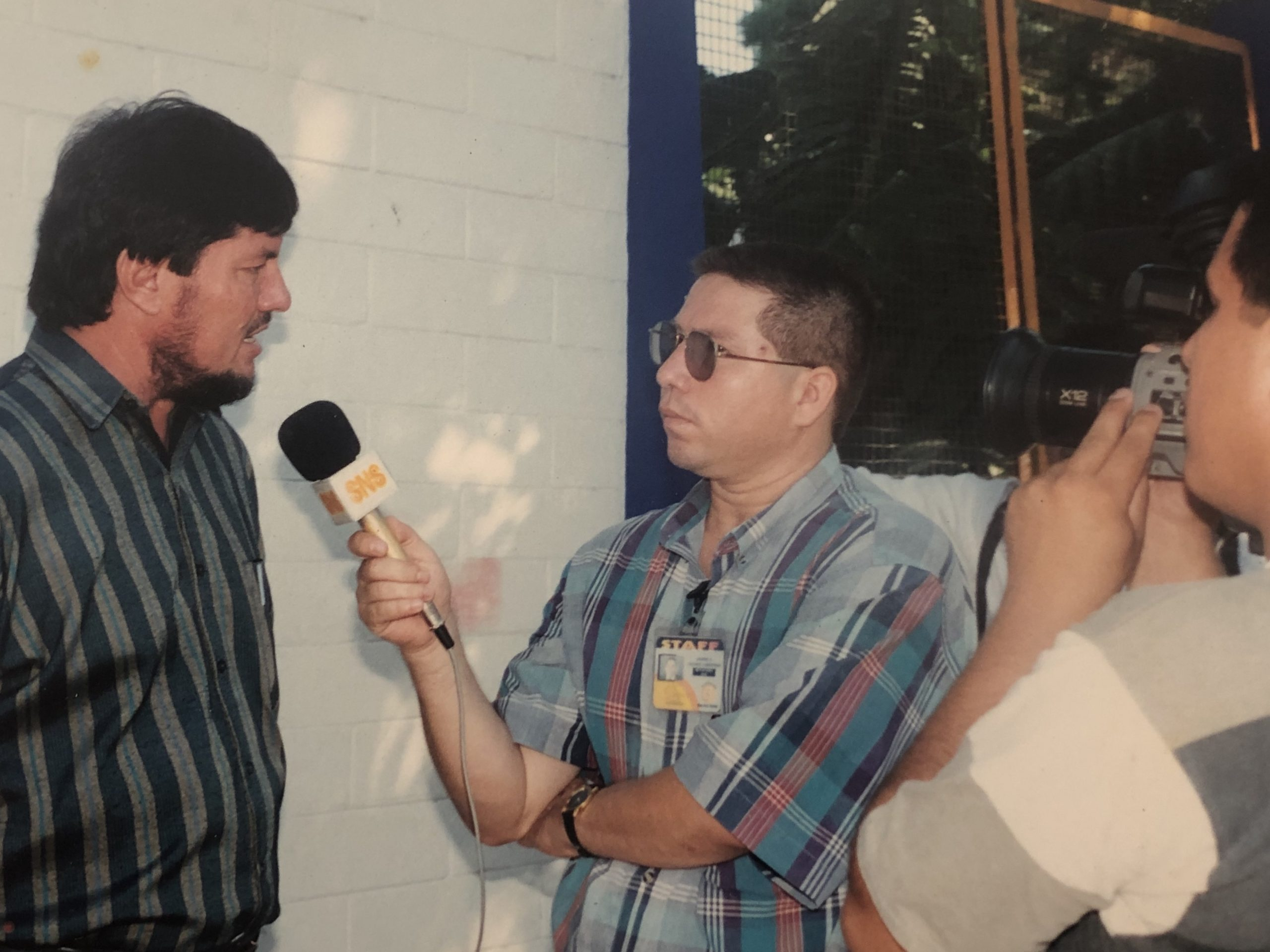 Pie: Javier cuando trabajó en Canal 3 de Culiacán
