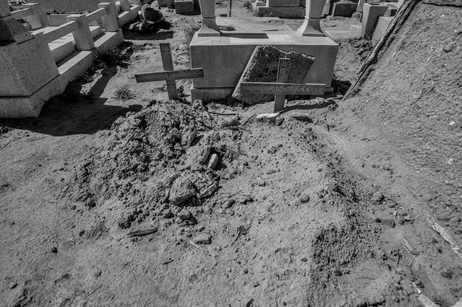 Desde 2018, los panteoneros tienen la indicación de colocar una cruz en todas las fosas comunes. No debe haber más de un cuerpo por fosa.