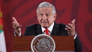 """AMLO advierte a gobernadores: """"ni un peso más para los estados"""" red es poder"""