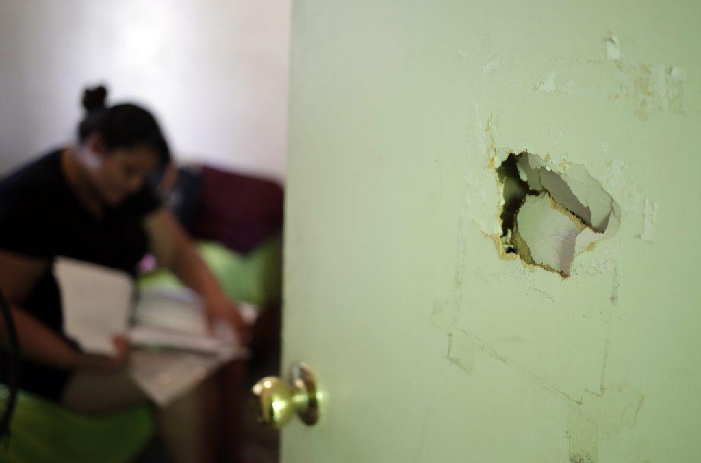 Ocasionalmente Mariana sufre ataques de ira, pero usualmente no recuerda lo sucedido.