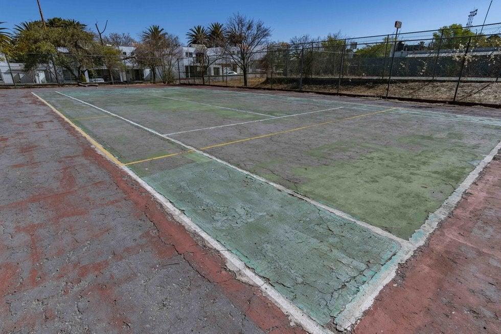 Condiciones de la cancha de tenis del Parque Venustiano Carranza. Foto: Omar Saucedo