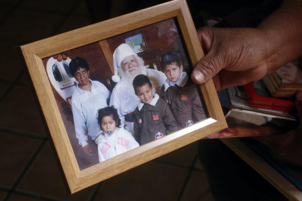 Anderson Omar con su familia en vísperas de navidad.