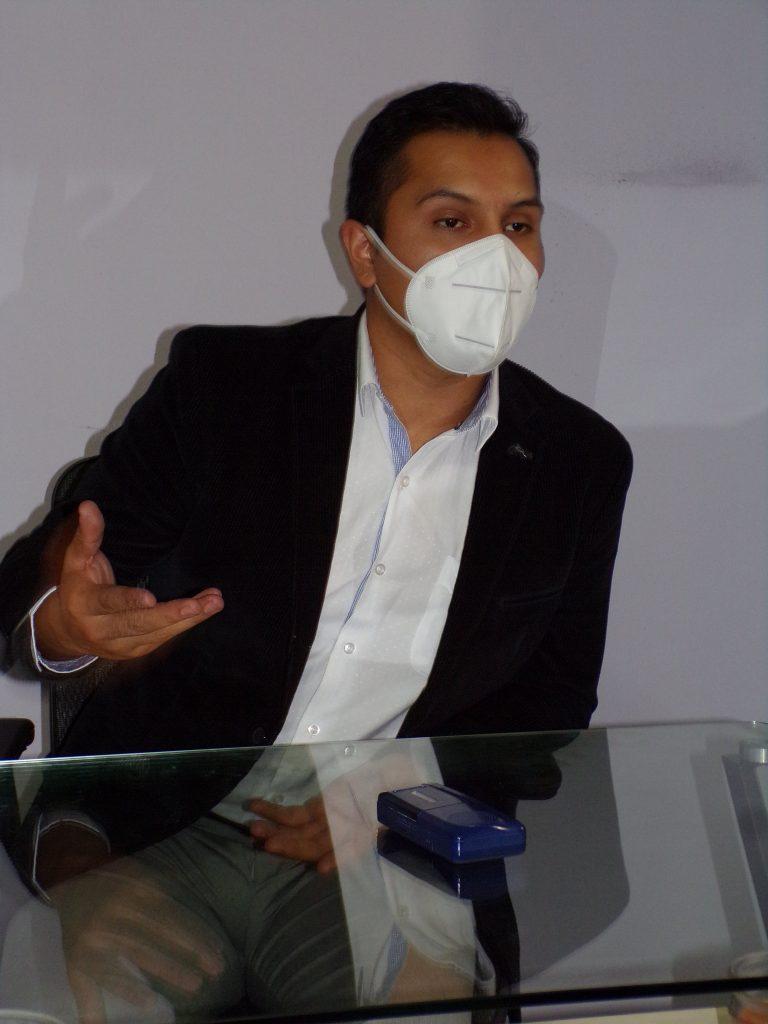 Javier Enrique Martínez, psicólogo con formación en terapia cognitivo conductual, y director del Instituto de Atención Integral de Desarrollo Humano.