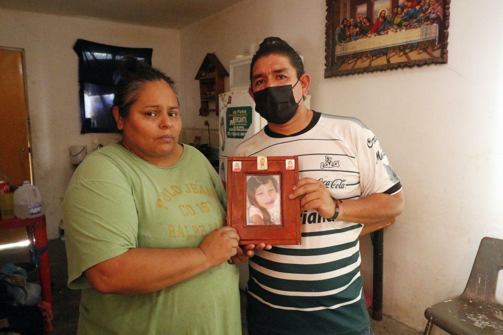 Mónica Ortiz Félix y Mario Díaz Pineda, padres de Analy, la recuerdan día a día luego de suiocidio.