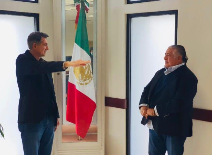 Luis Javier Algorri Franco, toma protesta como funcionario del gobierno de Jaime Bonilla, al tiempo que su empresa recibe contratos millonarios. Crédito: Tomada de Internet.