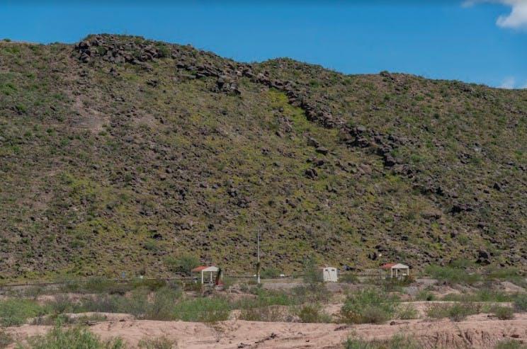"""""""El cerro de los sueños"""" es donde se ubican casi todos los grabados. Se estima que existen más de ocho mil labrados en más de mil rocas. Los glifos tienen más de 2 mil 500 años. Foto: Omar Saucedo / Vanguardia"""